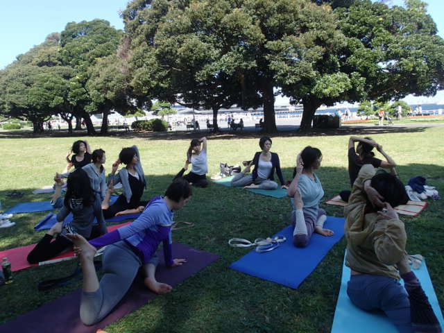 英語と日本語で学ぶパークヨーガ <山下公園>  @ 山下公園 | 横浜市 | 神奈川県 | 日本